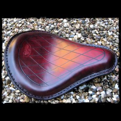 Selle Universal Garnet Leather