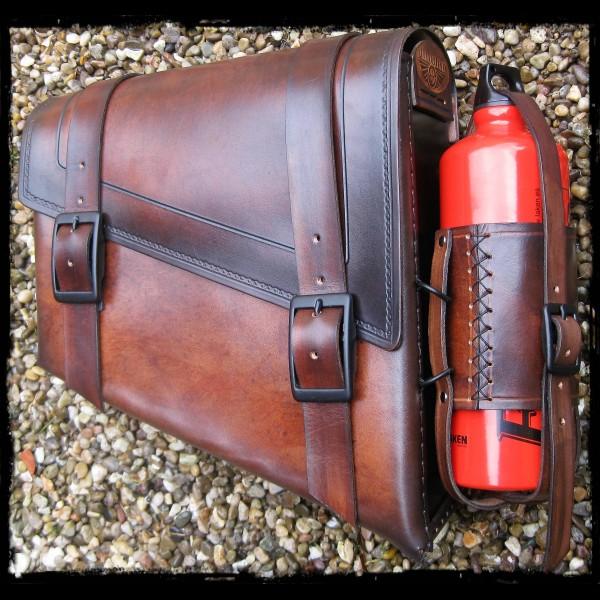 Saddlebag Vintage Dark Leather Bottle